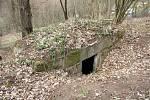 Další pohled na bunkr mezi Novými Stadicemi a Řehlovicemi na Ústecku.