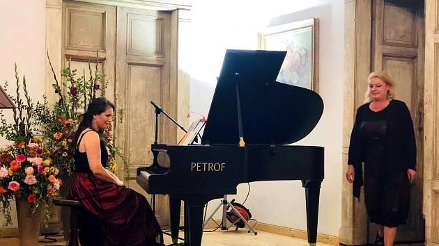 Koncert Piánko pro Jezeří