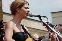 Aneta Langerová také vystoupí na mosteckých slavnostech.