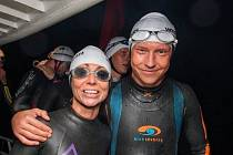Kamarádi a teď i parťáci - triatlonisté Alena Vrátná a Petr Vabroušek.