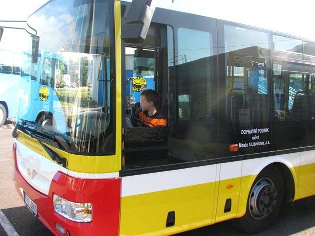 Nový autobus mosteckého dopravního podniku.