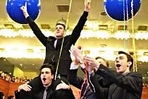 Repre má zůstat i centrem bálů. Na snímku letošní maturitní ples ve velkém sálu. Ples města Mostu bude 27. února.