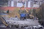 Bourání mostu v ulici J. E. Purkyně u nemocnice v Mostě a dopravní omezení.