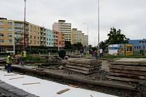V Mostecké ulici se začne pracovat na opravě komunikací.
