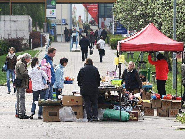Trh v centru Mostu byl v úterý 15. dubna slabší.