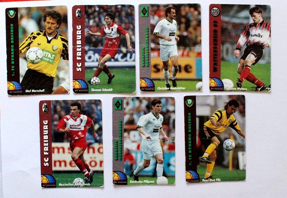 Sportovní kartičky se vrací. Vyráběly se, stále vyrábí a sbírají i u nás. Fotbalové kartičky vydané v Německu.