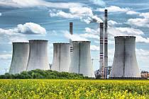 Elektrárna v Počeradech. Bere uhlí z Vršanské uhelné. Ta si chce postavit svoji vlastní.