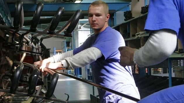 V Nexenu by mohli najít práci i lidé z Mostecka. Ilustrační foto.