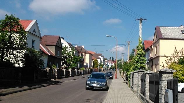Dukelská ulice patří mezi nejkrásnější v Mostě.