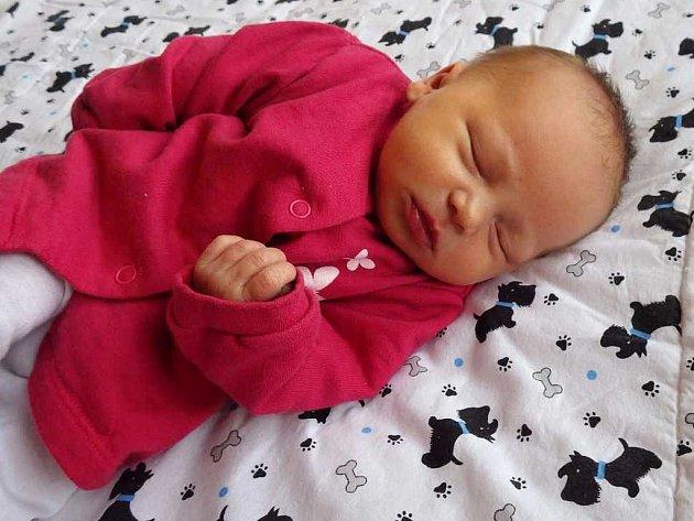 Izabella Francová se narodila 18. září 2017 v 11.28 hodin mamince Nikole Medvedíkové z Bečova. Měřila 50 cm a vážila 2,95 kilogramu.