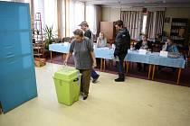 Nové volby do sedmičlenného obecního zastupitelstva proběhly ve Skršíně.
