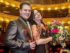 Tomáš Savka získal v roce 2015 Cenu Thálie v kategorii muzikál a opereta. Na snímku je i oceněná Hana Fialová