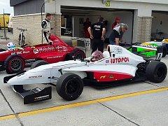 Závodní tým HKC Racing - Lutopol se vrátil z maďarského okruhu Panoniaring, kde pokračoval letošní ročník Carbonia Cupu.