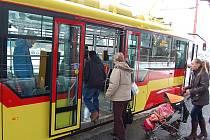 Nová tramvaj mosteckého dopravního podniku VarioLF.
