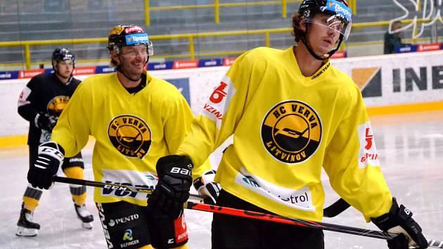 Litvínovští hokejisté se už připravují na ledě.
