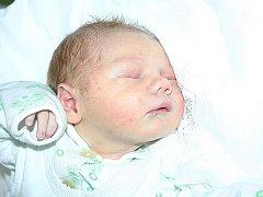 Mamince Lence Cáderové z Mostu se 8. prosince v 11.45 hodin narodil syn Matěj Cáder. Měřil 50 centimetrů a vážil 3,59 kilogramu.