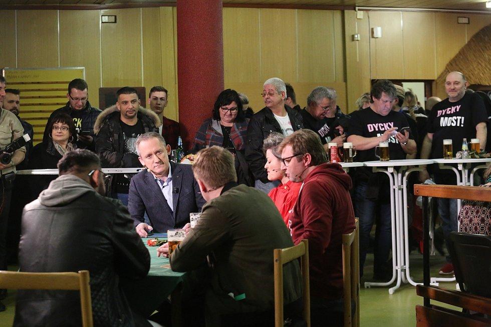 Autogramiáda protagonistů seriálu Most!