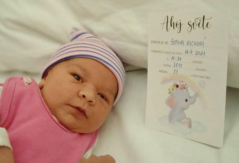 Sophia Vacková se narodila 14. září v 11.34 hodin v Ústí nad Labem rodičům Miloslavě a Tomáši Vackovým. Měřila 51 cm a vážila 3,81 kg.