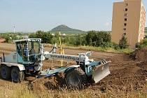 Stavba nového hřiště.