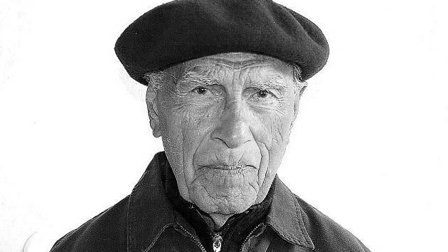 Miloslav Hrabák na archivním snímku. Zemřel v nedožitých 100 letech