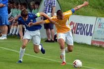 FK Baník Most-Souš (v modrém) v domácím duelu s Hostouní.