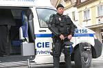 Mobilní služebna litvínovských strážníků.