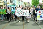 Studentský Majáles v Litvínově začal průvodem městem.