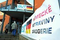 Obchod Gut v Mostě.