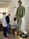 Oblastní muzeum v Mostě hostí výstavu o letcích 11. stíhacího pluku ze Žatce