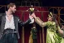 Romantická komedie podle slavného oscarového filmu o zakázané lásce z prostředí alžbětinského divadla.