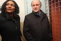 Mluvčí Michaela Kocába Lejla Abbasová a ministr při návštěvě Janova.