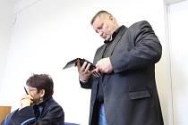Martin Klika u dnešního soudního jednání v Mostě.