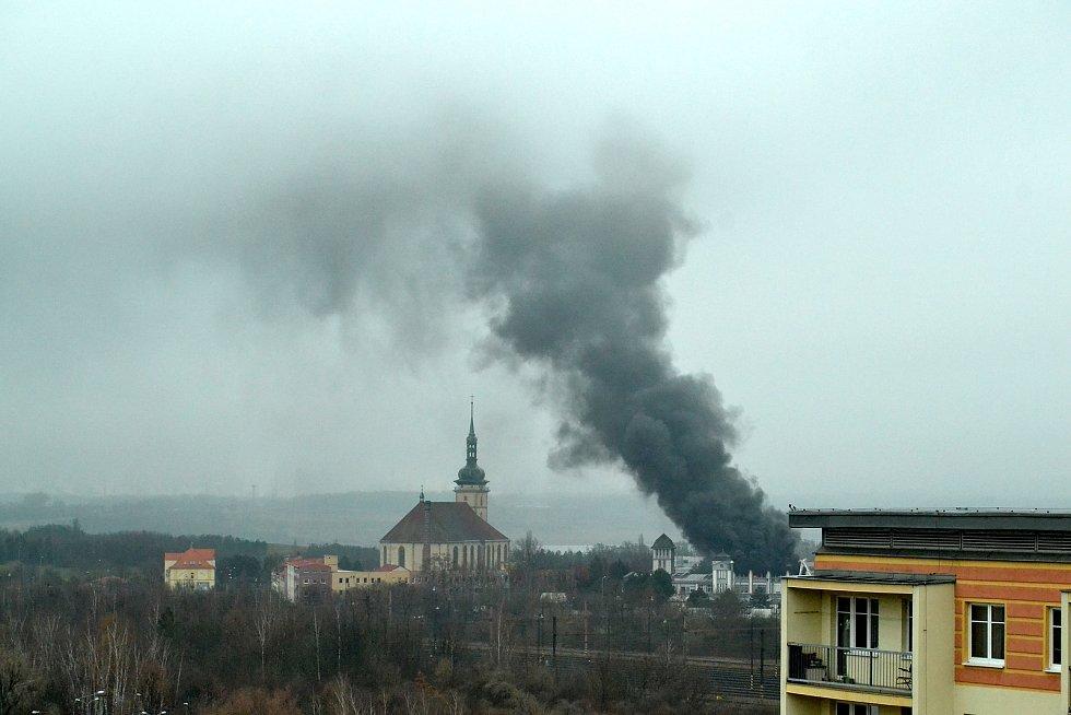 Požár v areálu RICO v Mostě.