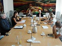 Tiskový brífink po prvním jednání pracovní skupiny pro vymezení trasy ropovodu Litvínov - hranice s Německem