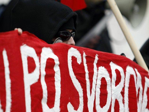 Anarchisté odmítají kapitalismus a vykořisťování. Hornická oblast kolem Mostu byla před 1. světovou válkou regionálním centrem anarchistického hnutí.