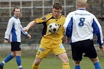 Ve středu odpoledne se v Litvínově odehrálo odložené utkání šestnáctého kola fotbalové divize sk. B mezi domácím FK Litvínov a hostujícím Českým Brodem.