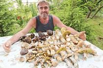 Josef Stárek z Liběšic našel krásné houby.