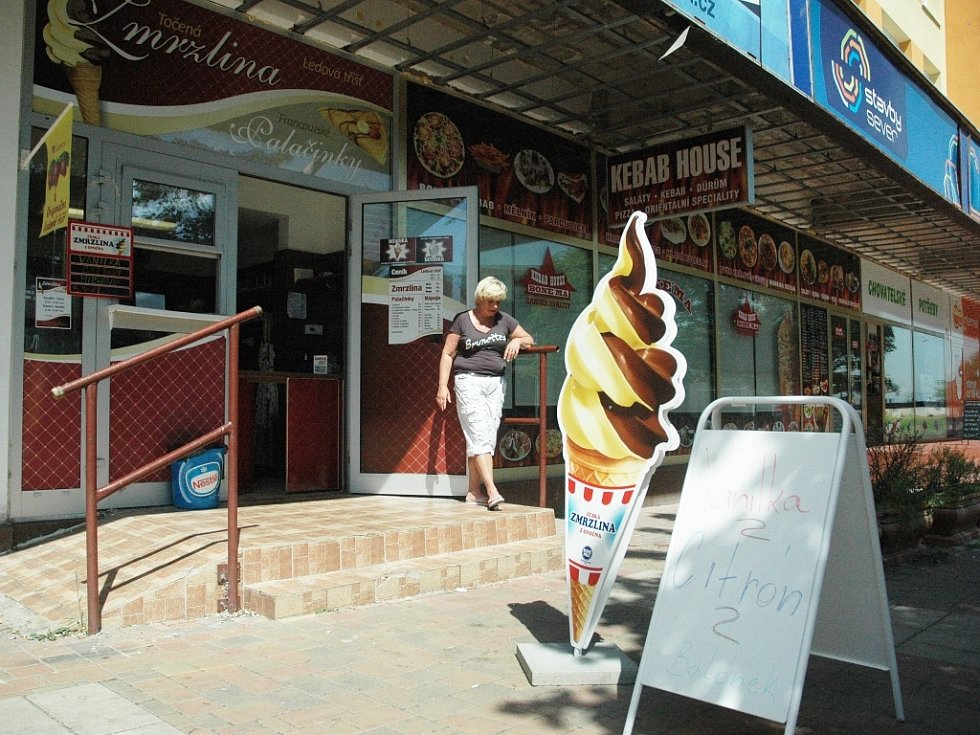 Prodejny zmrzliny v centru Mostu: Zmrzlina a francouzské palačinky