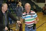 Fotbalový kmet Luboš Antala (vpravo) oslavil 75 let.