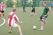 V Mostecké lize malé kopané se hrálo poslední kolo před prázdninovou pauzou.