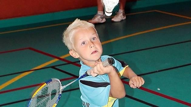 Na 15. ZŠ v Mostě se bude vyučovat badminton.