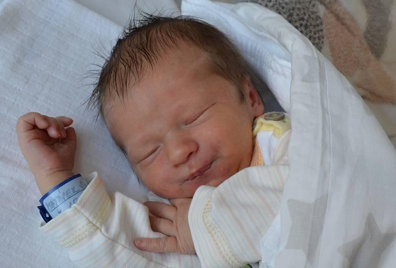 Jan Matásek se narodil 15. června v 1.33 hodin rodičům Janě a Václavu Matáskovým.  Měřil 50 cm a vážil 3,42 kg.