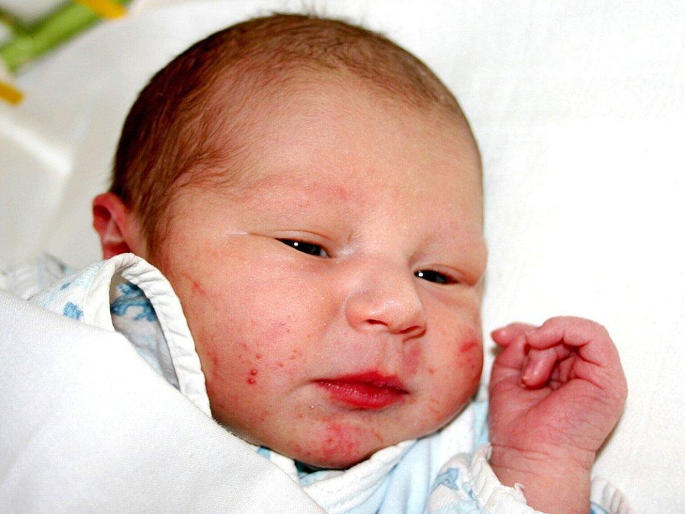 Mamince Nikole Kozlovské se v Mostě 12. března ve 21.28 hodin narodil syn Vojtíšek Kozlovský. Měřil 53 centimetrů a vážil 3,46 kilogramu.