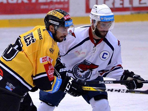 Přípravné severočeské derby Litvínov versus Chomutov.