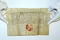 Listina od Karla IV. upravující poměry v Mostě ve 14. století je součástí sbírky Státního okresního archivu v Mostě. .