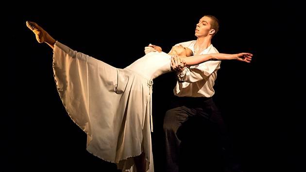 Pražský komorní balet vystoupí s Erbenovou Kyticí na velké scéně Městského divadla v Mostě v neděli 5. května.