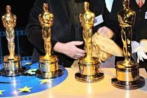 Známá soška Oscar, cena americké Akademie filmového umění, kterou se oceňují díla a tvůrci v kinematografii.