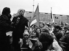 Tentokrát se podíváme na revoluční události roku 1989 na Mostecku