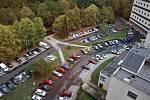 Toto parkoviště u Koldomu v Litvínov se má rozšiřovat.