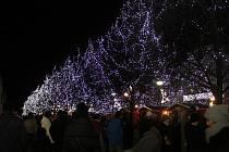 Osvětlení na litvínovském náměstí se lidem líbí.